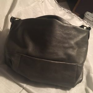 Gray purse. Gently used, no obvious wear.
